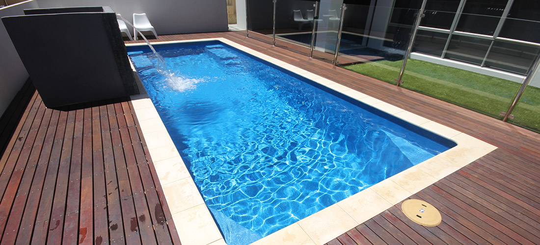 Caprice fibreglass swimming pool 8m x 3m evolution pools for Swimmingpool 3m