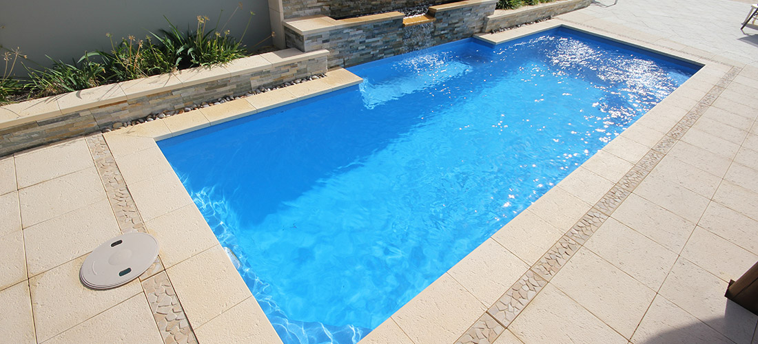 Chateau fibreglass swimming pool 8m x 3m evolution pools for Garten pool 2 5m