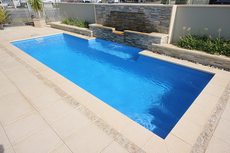 Swimmingpool 3m Of Imperial Fibreglass Swimming Pool 7m X 4m Evolution Pools