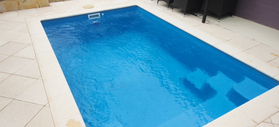 Serenity fibreglass swimming pools 4m x evolution for Garten pool 2 5m