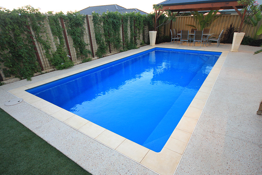Valentina fibreglass swiming pool 8m x 4m evolution pools for Swimmingpool 3m